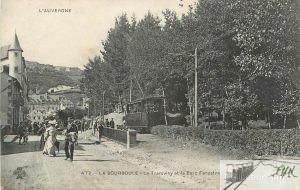 Le tramway sur le coté du parc Fenestre